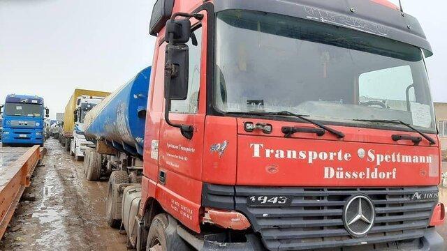 صف طولانی کامیون ها در مرز دوغارون به دنبال عدم همکاری گمرک اسلام قلعه