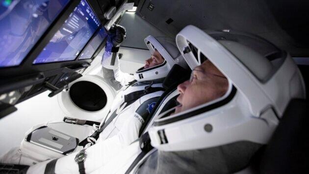 اسپیس ایکس فضانوردان را راهی سفرهای فضایی می نماید