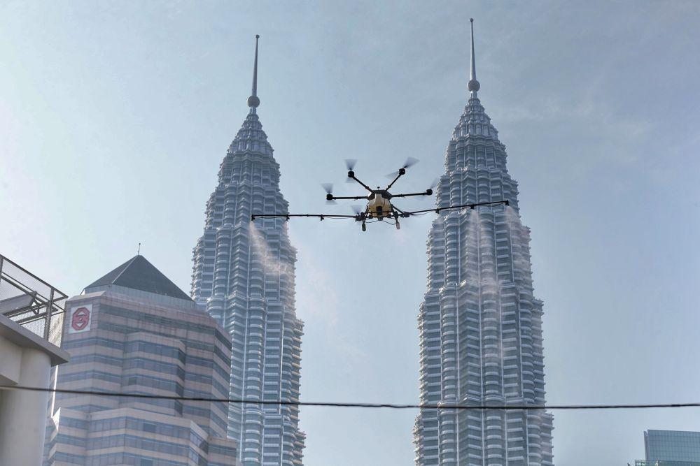 مالزی با پهپاد به جنگ با کرونا می رود