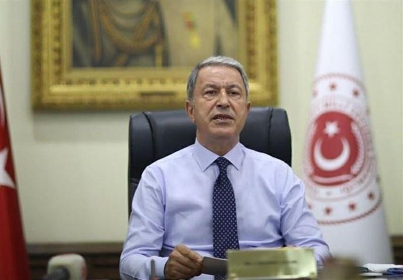 وزیر دفاع ترکیه: حمایت تسلیحاتی امارات، مصر، روسیه، فرانسه و عربستان مانع ثبات در لیبی است