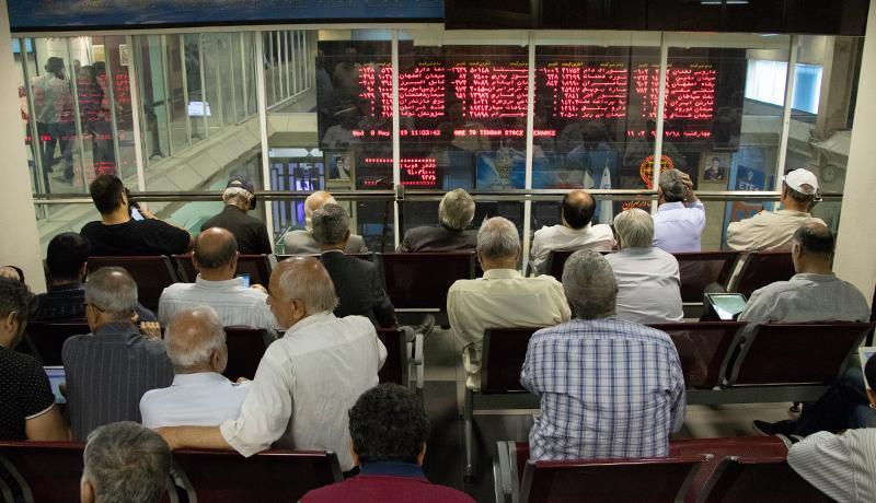 ارزیابی سهامداران از شرایط بورس ، مردم هنوز به بازار سهام امید دارند؟