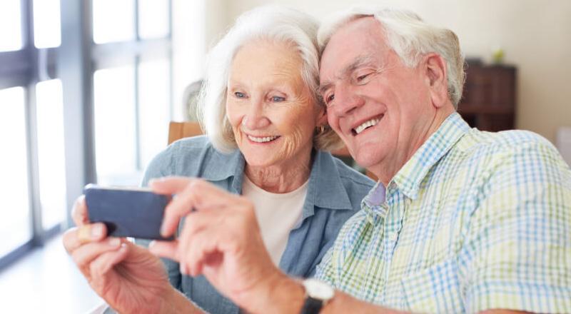 تلفن همراه افسردگی سالمندان را کاهش می دهد