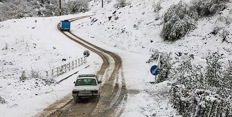 برف و باران در جاده های 23 استان
