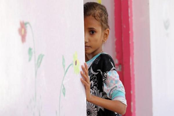 فاجعه قحطی عمدی در یمن عمیق تر می گردد ، دختری 13 ساله با 9 کیلو وزن