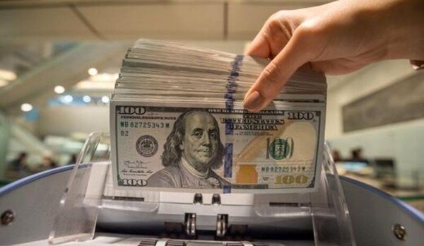 افزایش تزریق دلار، کاهش عرضه یورو