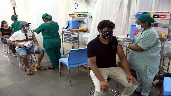 تزریق آب نمک به جای واکسن کرونا در هند